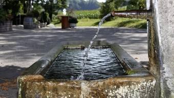 Die momentane Hitze führte zu einem höheren Wasserverbrauch. (Symbolbild)