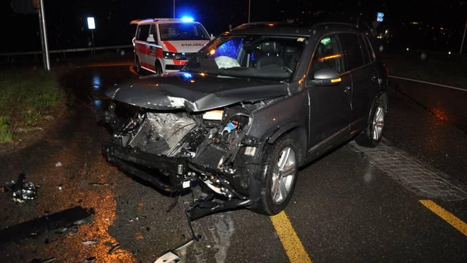 Autolenkerin baut auf Archstrasse Unfall