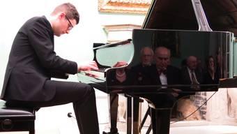 Er spielt wohl bald auf grossen Bühnen: Pianist Ivan Horvatic bei seinem Badener Auftritt. Matthias Steimer