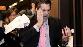 Botschafter Mark Lippert nach dem Angriff