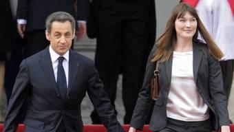 Abgang von Sarkozy und Bruni (Archiv)