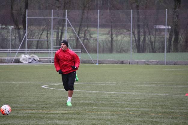 Carlinhos während einer Schussübung im FCA-Training