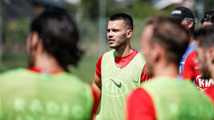 Der FC Aarau verpflichtet Karanovic vorerst bis Ende Dezember.
