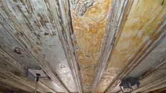 Im Brugger Altstadthaus «Scharfes Eck» werden historische Decken saniert
