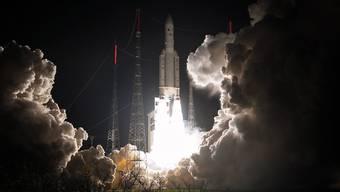 """Die """"Ariane 5""""-Rakete hob vom europäischen Weltraumbahnhof Kourou in Französisch-Guyana ab. (Archivbild)"""