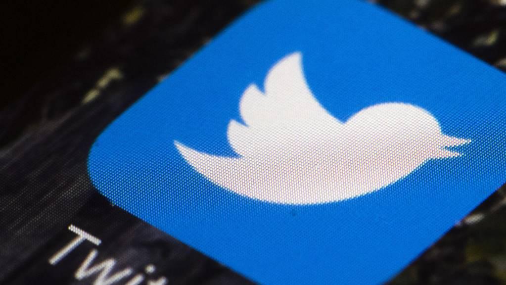 Der Kurznachrichtendienst Twitter schafft Tweets mit Verfallsdaten nach einer Testphase wieder ab. (Archivbild)