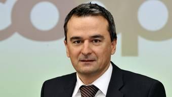 Coop-Chef Joos Sutter ist unzufrieden mit den gesetzlichen Öffnungszeiten (Archiv)