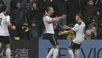 Tottenhams Harry Kane feiert mit Kieran Trippier (rechts) seine Doublette innert sechs Minuten