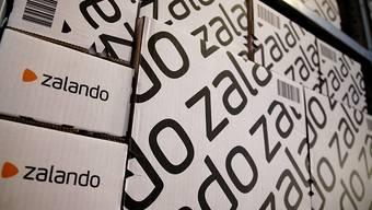 Dem Online-Modehändler Zalando hat im ersten Quartal der warme Winter zugesetzt. (Archivbild)