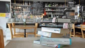 Die Idee der beiden Einwohnerräte ist verlockend: Im Chappelehof in Büchern schmökern und dabei einen Kaffee geniessen. «Wir mögen nicht mehr», sagt Corinne Manimanakis von der Kulturbeiz.