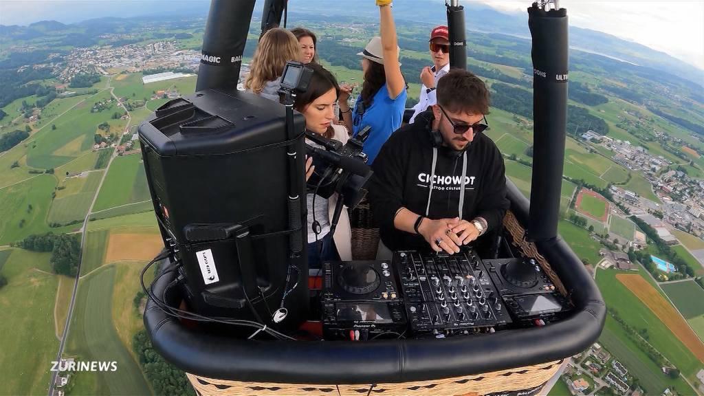 DJ im Heissluftballon