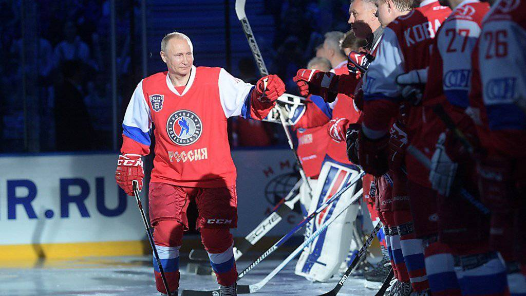 Russlands Präsident Wladimir Putin als Hockey-Spieler
