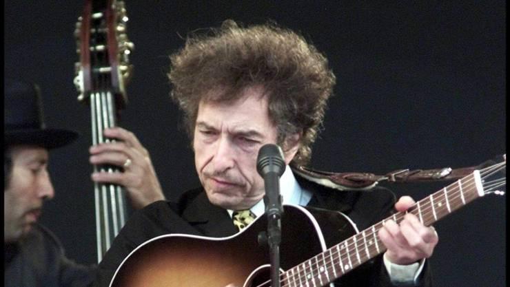 """Bob Dylan wird heute 75 und hat deshalb ausnahmsweise frei. Danach gibt er wieder im Rahmen der """"Never Ending Tour"""" zwei Mal die Woche ein Konzert. (Archivbild)"""