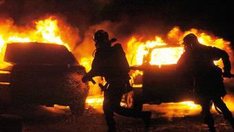 Brennende Autos in einem Vorort von Strassburg (Archiv)