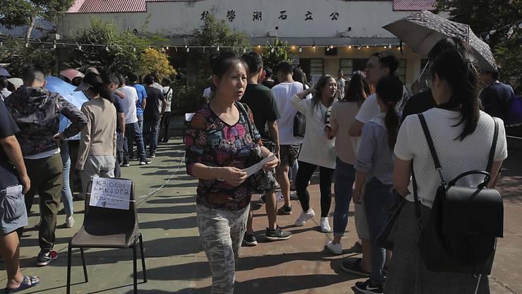 Rekordbeteiligung bei Hongkonger Bezirkswahlen