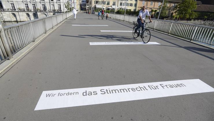 Sprüche auf der Kreuzackerbrücke in Solothurn...,