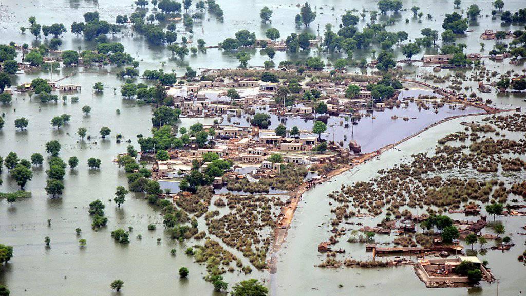 Die pakistanische Region Rohjan wurde 2010 nach schweren Regenfällen überflutet: Besonders Entwicklungsländer sind von extremen Wetterereignissen betroffen, schreibt Germanwatch.