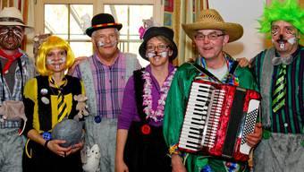 Die Wüelmüüs Hägglingen: Thomas Saxer, Colette Geissmann, Robert Frauchiger, Nicole Meyer und die beiden Musiker Willi Sempach und Thomas Iseli (von links). zvg