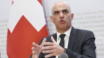 Kündigt Bundesrat Alain Berset heute eine Lokcerung der Massnahmen an?