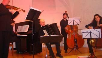 Das Ensemble Tangho celebri begeisterte im Fricker Kornhauskeller. ari