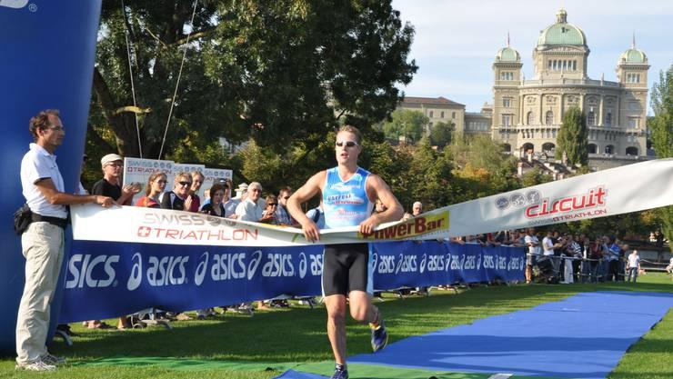 Oensingens Schlussläufer Pascal Frieder bringt das Gold ins Trockene
