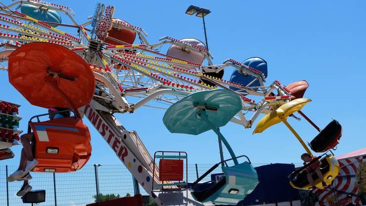 Zahlreiche Attraktionen lockten an die Geroldswiler Chilbi auf dem Festplatz Werd. So etwa der Twister ...