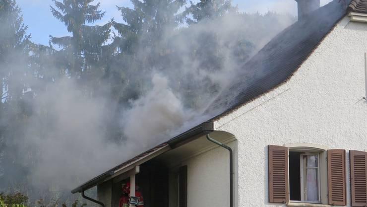 Starke Rauchentwicklung beim Brand in Lausen.