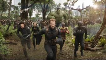 Der teuerste Blockbuster des Jahres: In «Avengers: Infinity War» kämpfen sämtliche Marvel-Superhelden gegen den Überschurken Thanos. Auf dessen Auftritt warten Fans seit zehn Jahren.