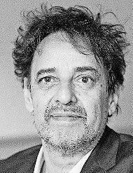 Der Autor Martin R. Dean lebt in Basel. Diesen Frühling erschien sein Roman «Warum wir zusammen sind»  im Verlag Jung und Jung.