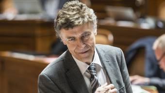 SVP-Nationalrat Luzi Stamm kritisiert die Parteiführung. (Archiv)