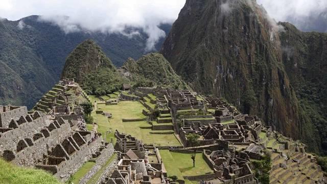 Im neusten Gastkommentar von Roger Blum geht es um die Grausamkeit von Völkern. Auch die Inka – von ihnen ist beispielsweise Machu Picchu in Peru noch erhalten – waren ungewöhnlich brutal.