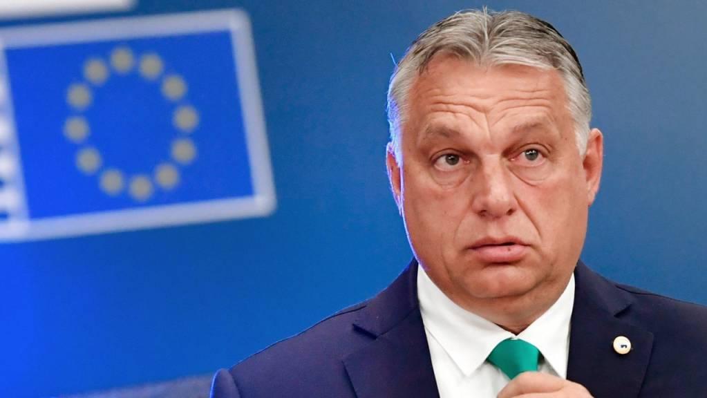 ARCHIV - Ungarns Ministerpräsident Viktor Orban trifft zum EU-Gipfel im Gebäude des Europäischen Rates ein. Foto: John Thys/AFP Pool/AP/dpa
