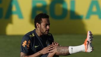Schmerzen im linken Knie: Neymar musste das Training mit der brasilianischen Nationalmannschaft abbrechen