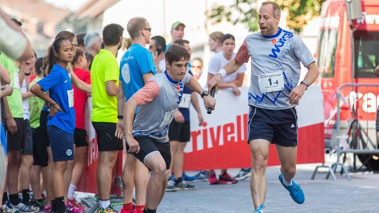 Insgesamt 44 Teams waren in den Stafetten-Kategorien am Start und absolvierten die Gesamtdistanz von 7,2 Kilometern zu fünft.