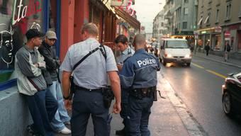 Die Polizei störte Dealer und Kunde beim Heroin-Verkauf (Symbolbild).JPG