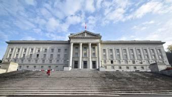 Das Bundesgericht in Lausanne hat entschieden: Der Kanton Bern muss dem Arzt nun eine Entschädigung von 3000 Franken für das neuste Bundesgerichtsverfahren ausrichten.