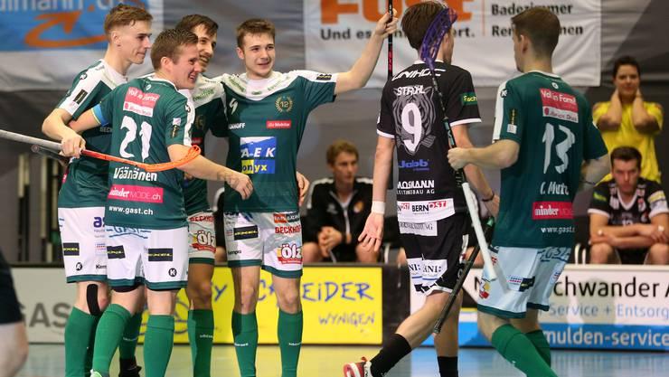 Jubel bei den Spielern von Wiler-Ersigen über den Derbysieg.