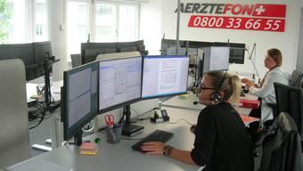 Ärztefon-Zentrale: Hier gehen Anrufe von Ratsuchenden aus dem ganzen Kanton Zürich ein.
