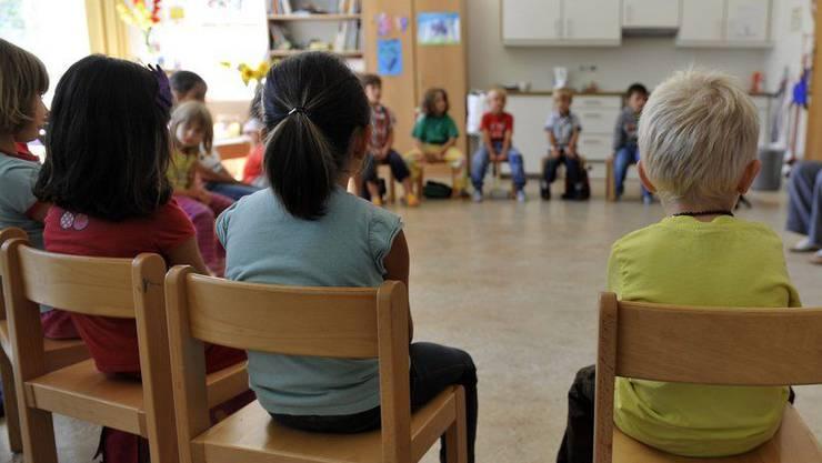 Die Kindergärtler müssen in Quarantäne. (Symbolbild)