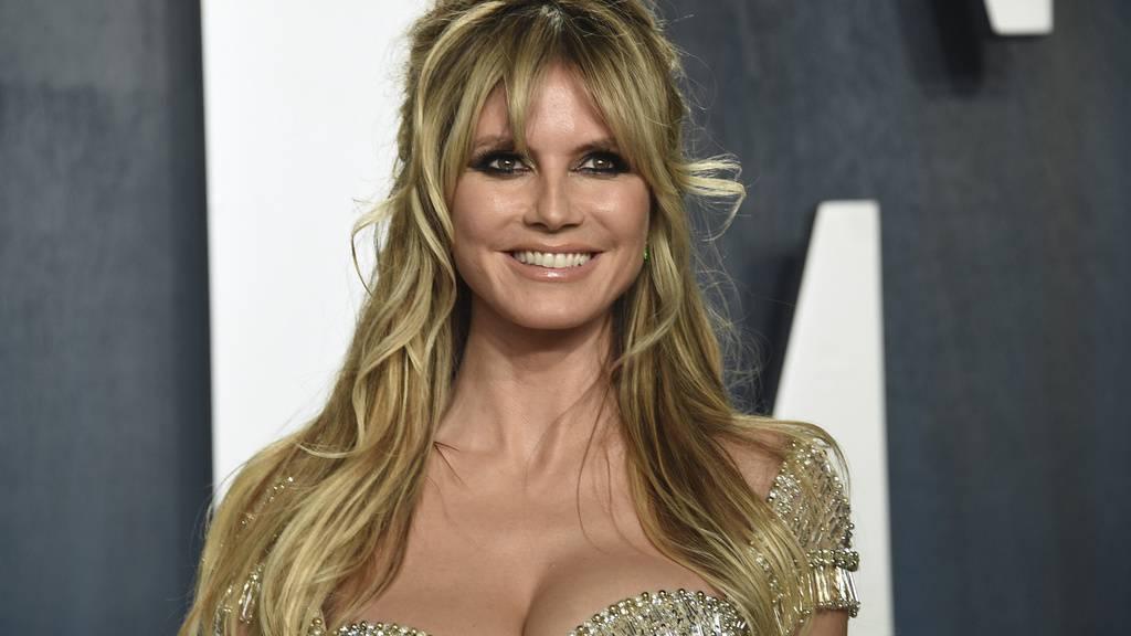 Entwarnung: Model Heidi Klum ist nicht mit dem Coronavirus infiziert, sondern hat eine schwere Erkältung.