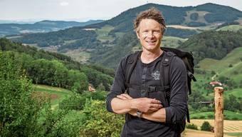 Er hat gute Chancen, für die Grünen einen Sitz zu holen: Jonas Fricker, der in den Sommerferien durch den Jura wandert.