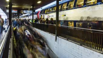 Der geplante Tunnel darf gemäss Stadtammann Daniel Mosimann nicht zu einer Reduktion der Direktverbindungen vom Bahnhof Lenzburg aus führen.