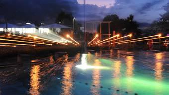 Candle-Swim: 40 Jahre Schwimmbad Wiemel in Würenlos