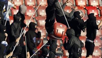 Der Gewalt in Fussballstadien soll Einhalt geboten werden (Symbolbild)