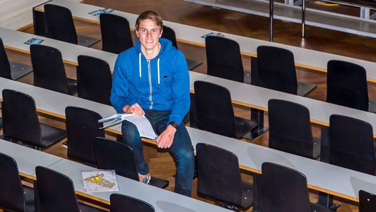 Zwischen Studium und Sport: Matthias Kyburz im Hörsaal.