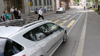 Künftig soll die Elisabethenstrasse nur noch für Autos in Fahrtrichtung Bahnhof SBB befahrbar sein.
