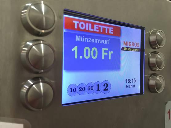 Wer im Löwenzentrum die Toilette benutzen will, zahlt einen Franken.
