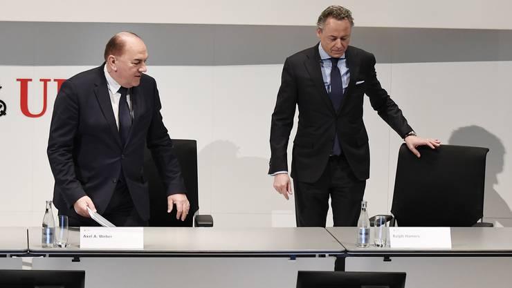 Chairman Axel A. Weber (links) erhält Vergütungen in Millionenhöhe. Rechts im Bild der neue CEO der UBS, Ralph Hamers.
