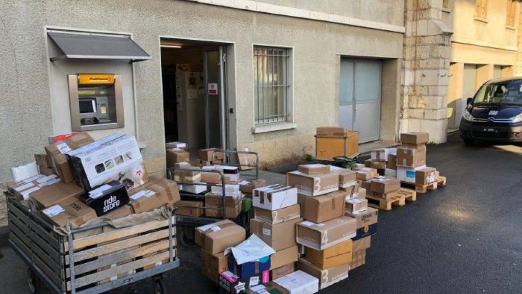 Viel dreckige Wäsche und Pakete: Feldpost meldet Rekordzahlen