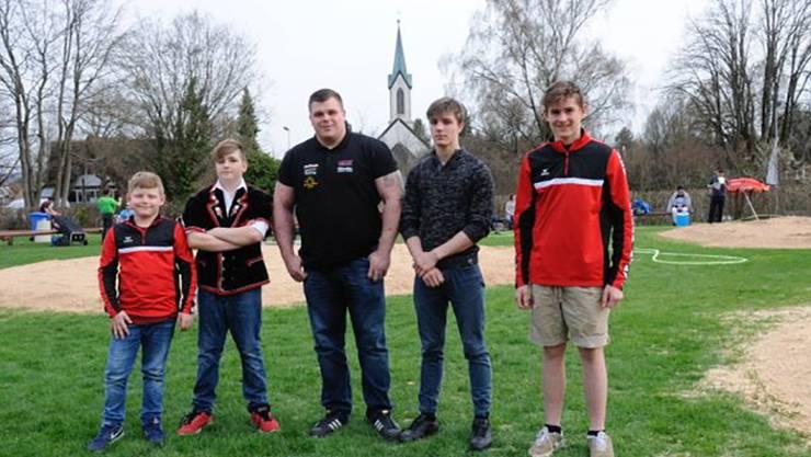 Die Sieger von links Russo Giulio, Kehrli Manuel, Räbmatter Patrick, Hengartner Tobias und Eisenring Florian.